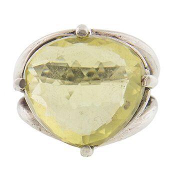 Anillo de plata con cuarzo limón de Tabata Morgana