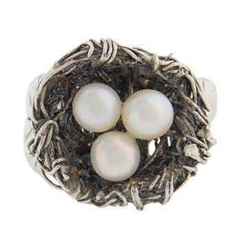 Anillo de plata nido con perlas de Tabata Morgana