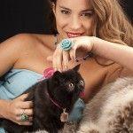 Anillo de flor de jade azul, anillo de turquesa y collar de cuarzo rosa de Tabata Morgana.