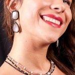 Tres collares con epinelas, labradorita y opalos. Piendientes de piedra luna y diamantes de Tabata Morgana